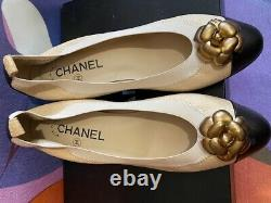 Chanel Chaussures Femmes Couleur Beige & Black Pums Heel 2-in-high Heel Taille 39 Nouveau
